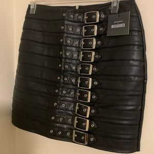 Brand new Buckle leather skirt